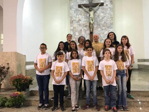 Dez catequizados receberam o sacramento da Eucaristia