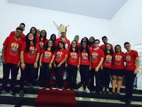 16 jovens receberam o sacramento da confirmação