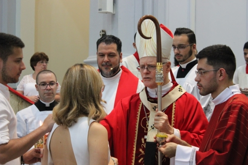 Dom Odilo celebrou o sacramento do Crisma
