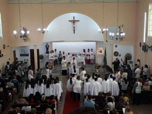Primeira eucaristia de um Grupo de 30 catequisandos