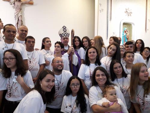Celebração da missa com a Confirmação de 60 jovens e adultos