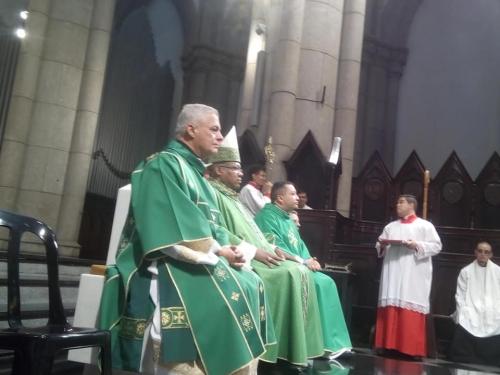 Missa  de envio missionário presidida por Dom Eduardo Vieira
