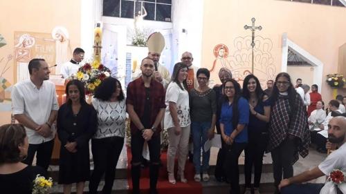 Celebração com sacramento da Crisma