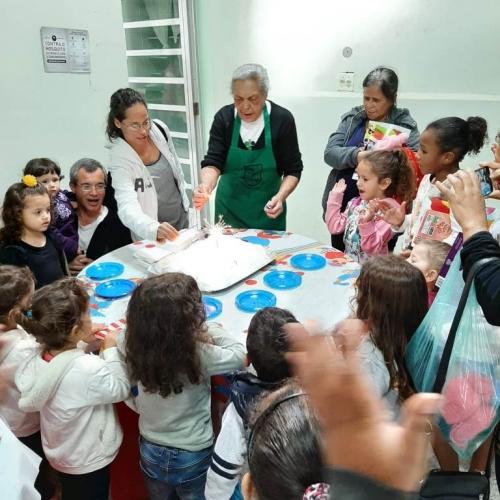 Foram acolhidas as crianças atendidas pela Paróquia através da Pastoral da Criança