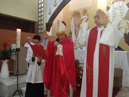 Celebração da Confirmação do Batismo na paróquia Santo Antônio do Lausanne