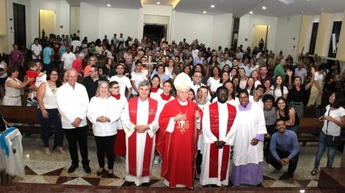 Celebração com sacramento da Confirmação